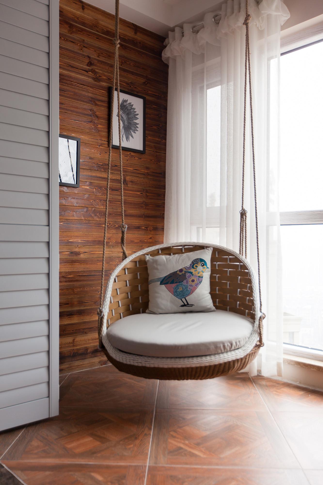 二居室美式装修阳台设计图