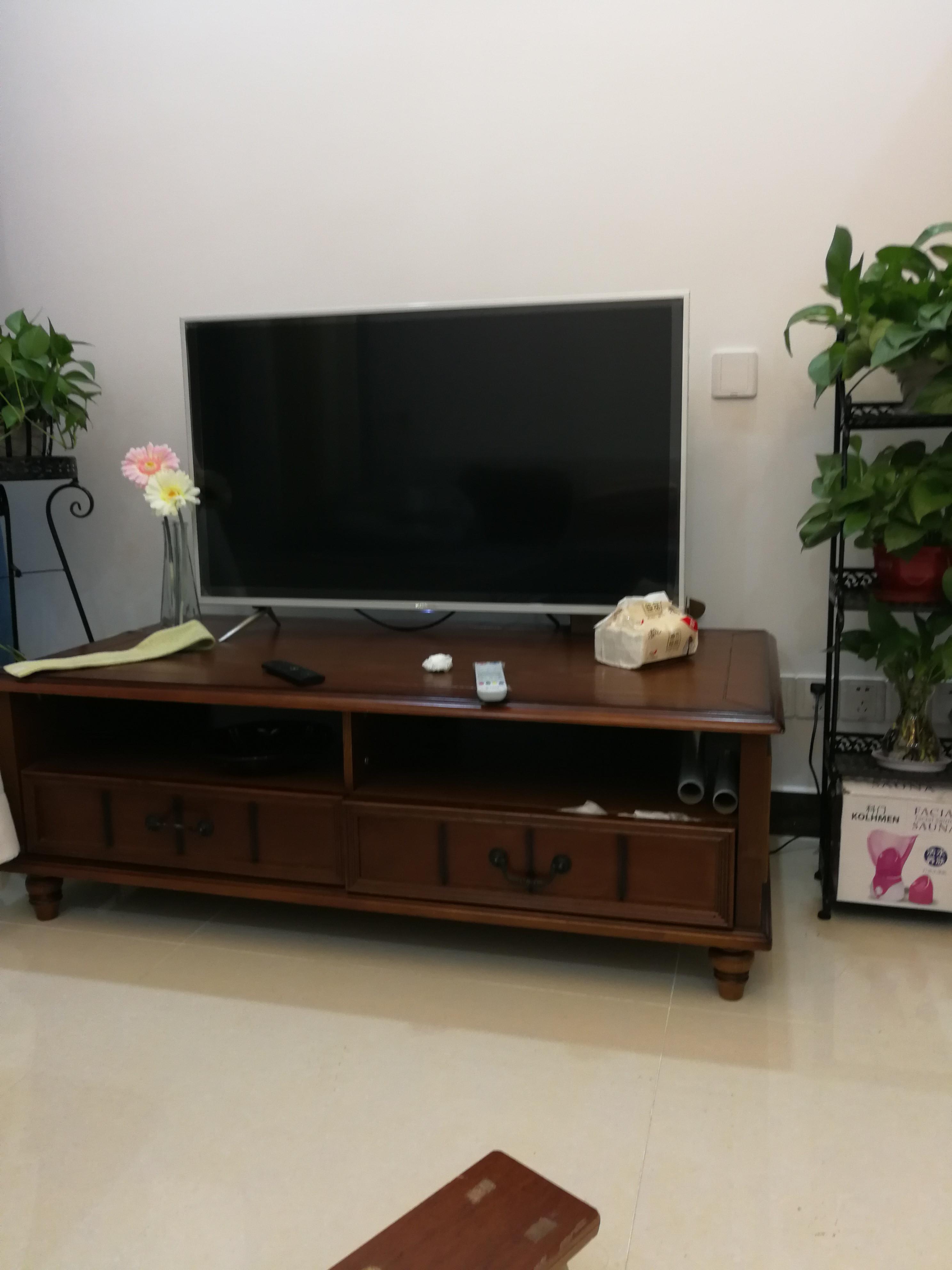 70m²简约二居装修设计电视柜图片