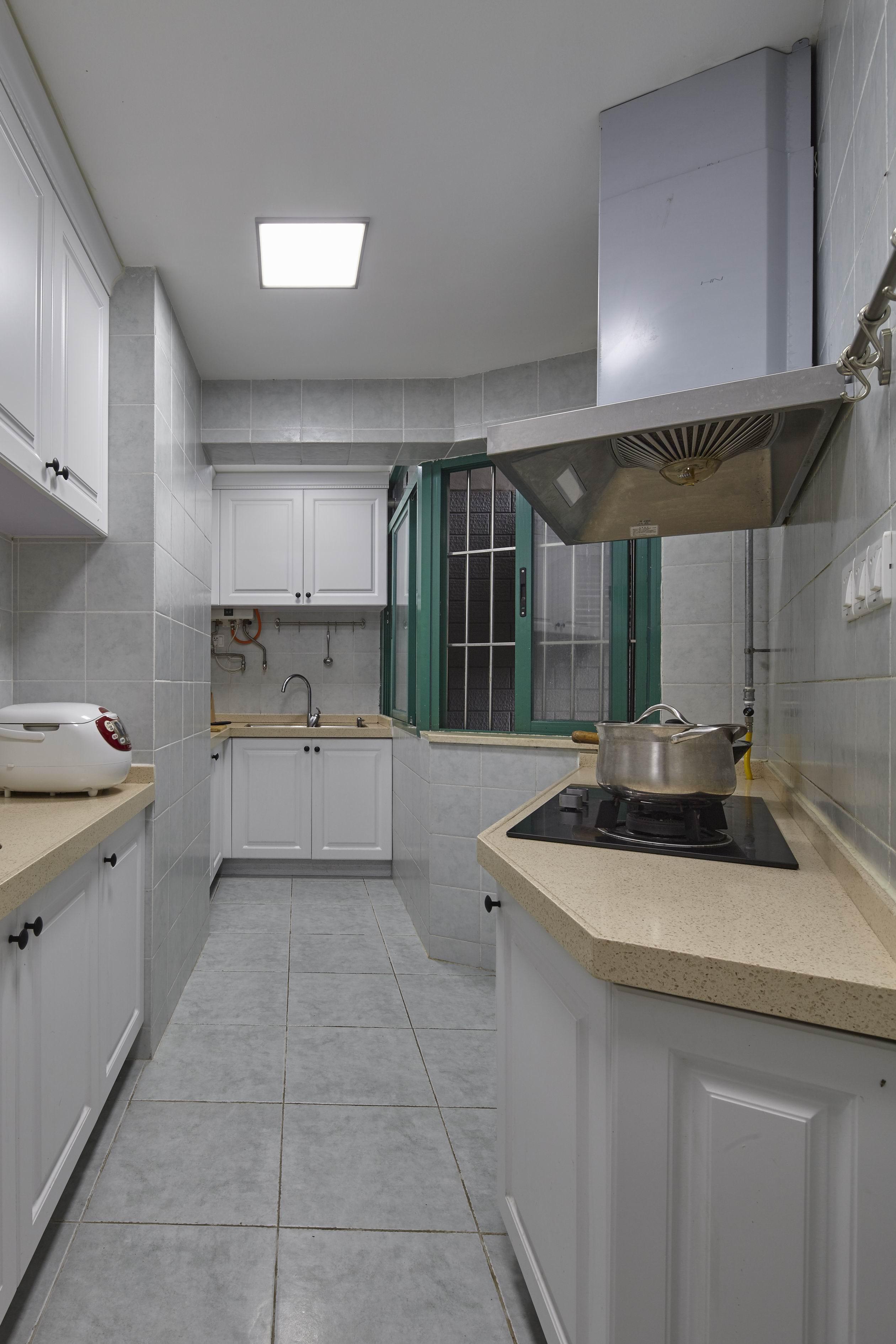二居室美式之家厨房装潢图