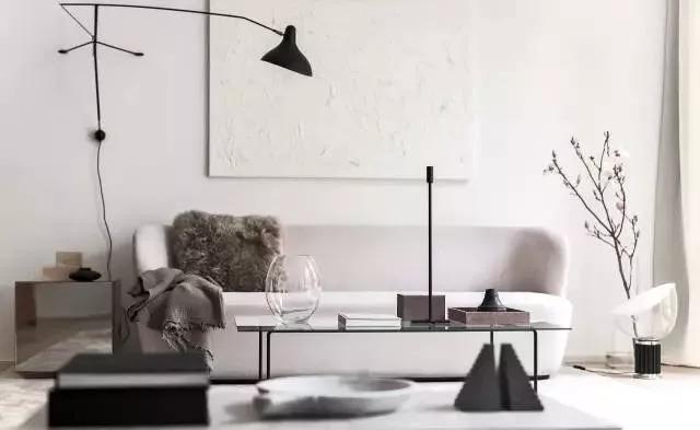 黑白灰的基调 原木 整体线条 简单的直线,没有任何多余的装饰性线条.