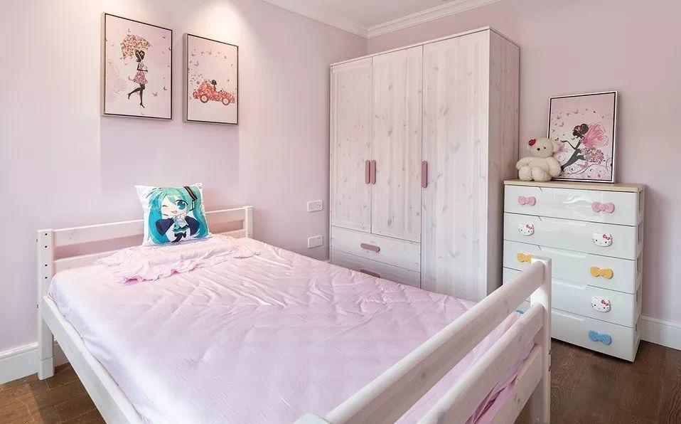 儿童房以粉色为主,可爱温馨的公主房,足够梦幻,相信很多大朋友都沉醉