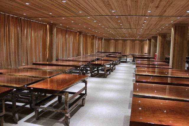 广州家具城内幕交易曝光!标价8万的实木家具白色搭配家具图片