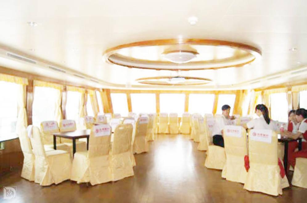 婚庆 上海婚宴酒店 北京银行号游轮  宴会厅 宴会厅 1f 桌数: 12桌