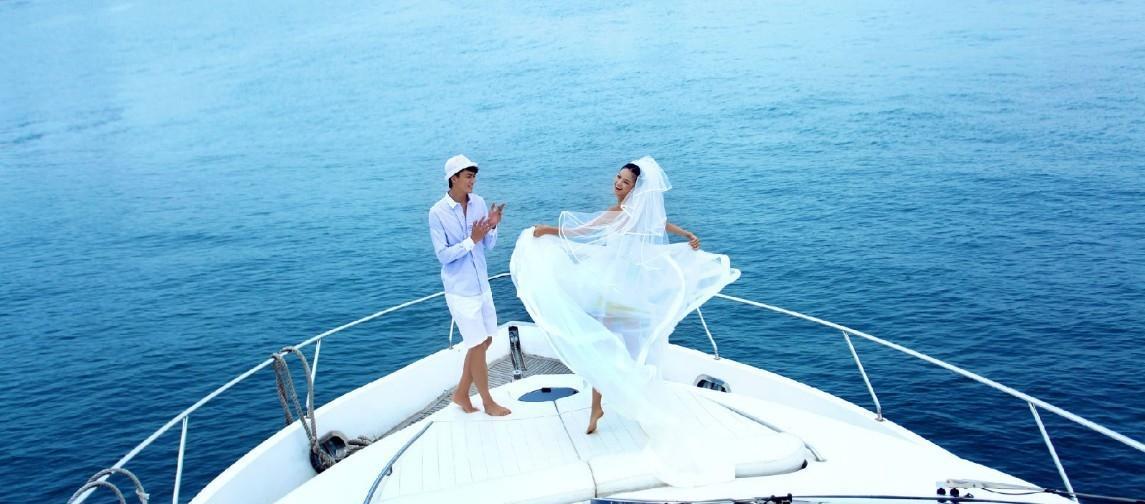 豪华游艇婚纱照图片