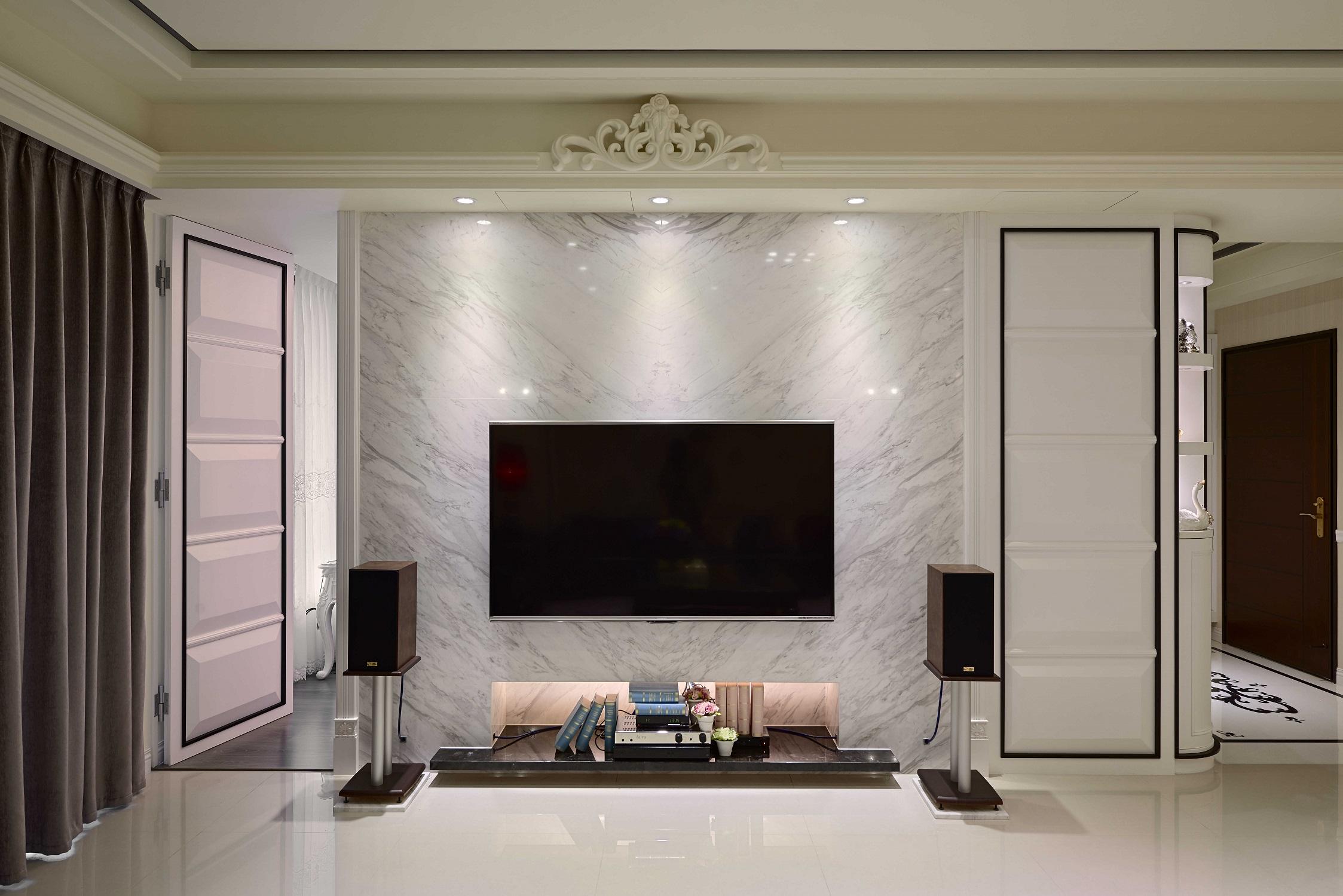 大户型黑白新古典装修电视背景墙图片