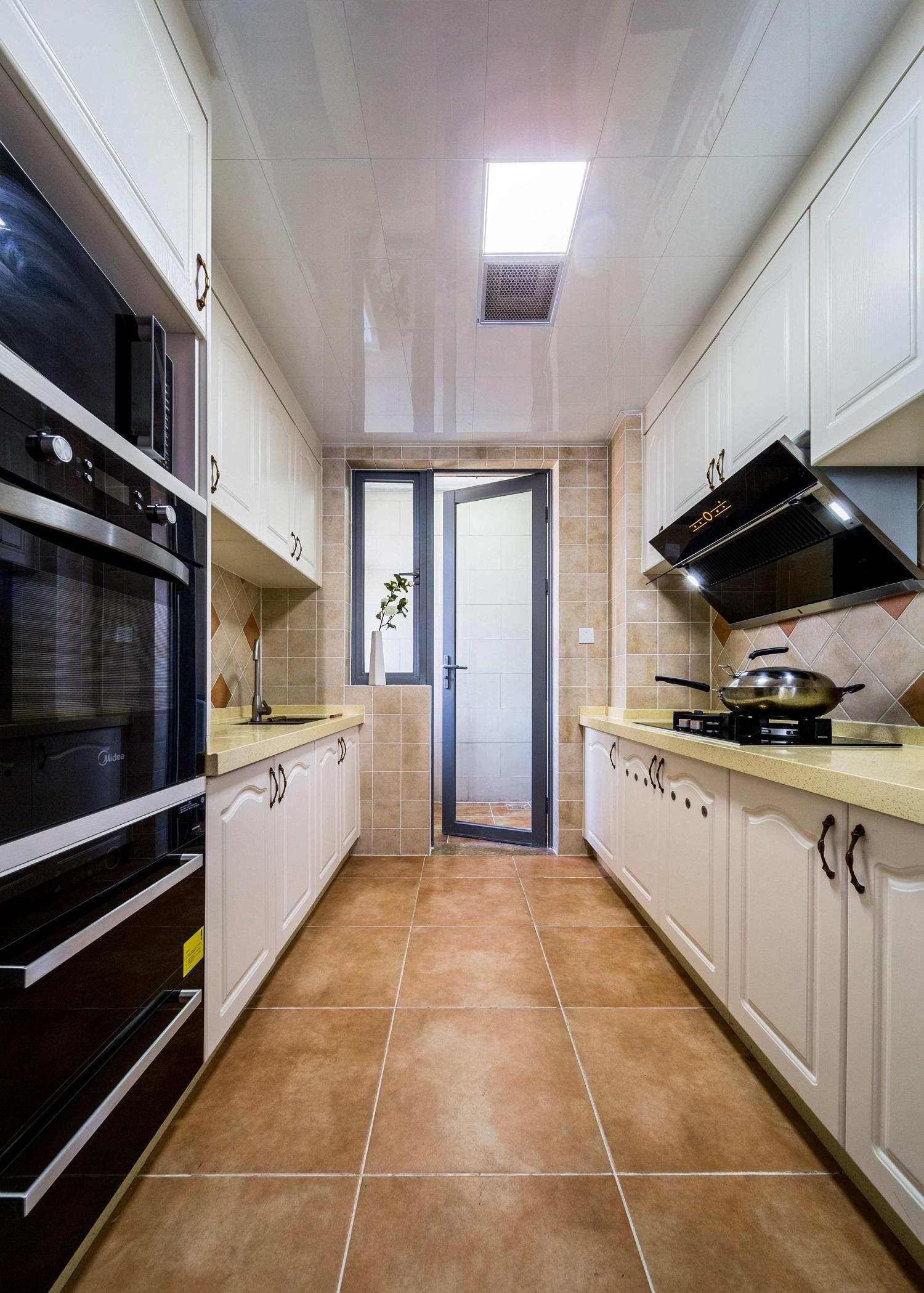 106平简约美式装修厨房设计图
