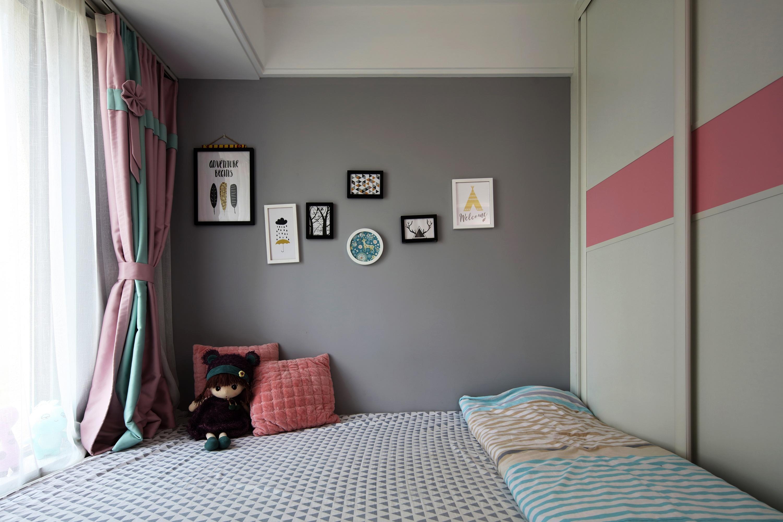 北欧现代三居室装修儿童房窗帘设计