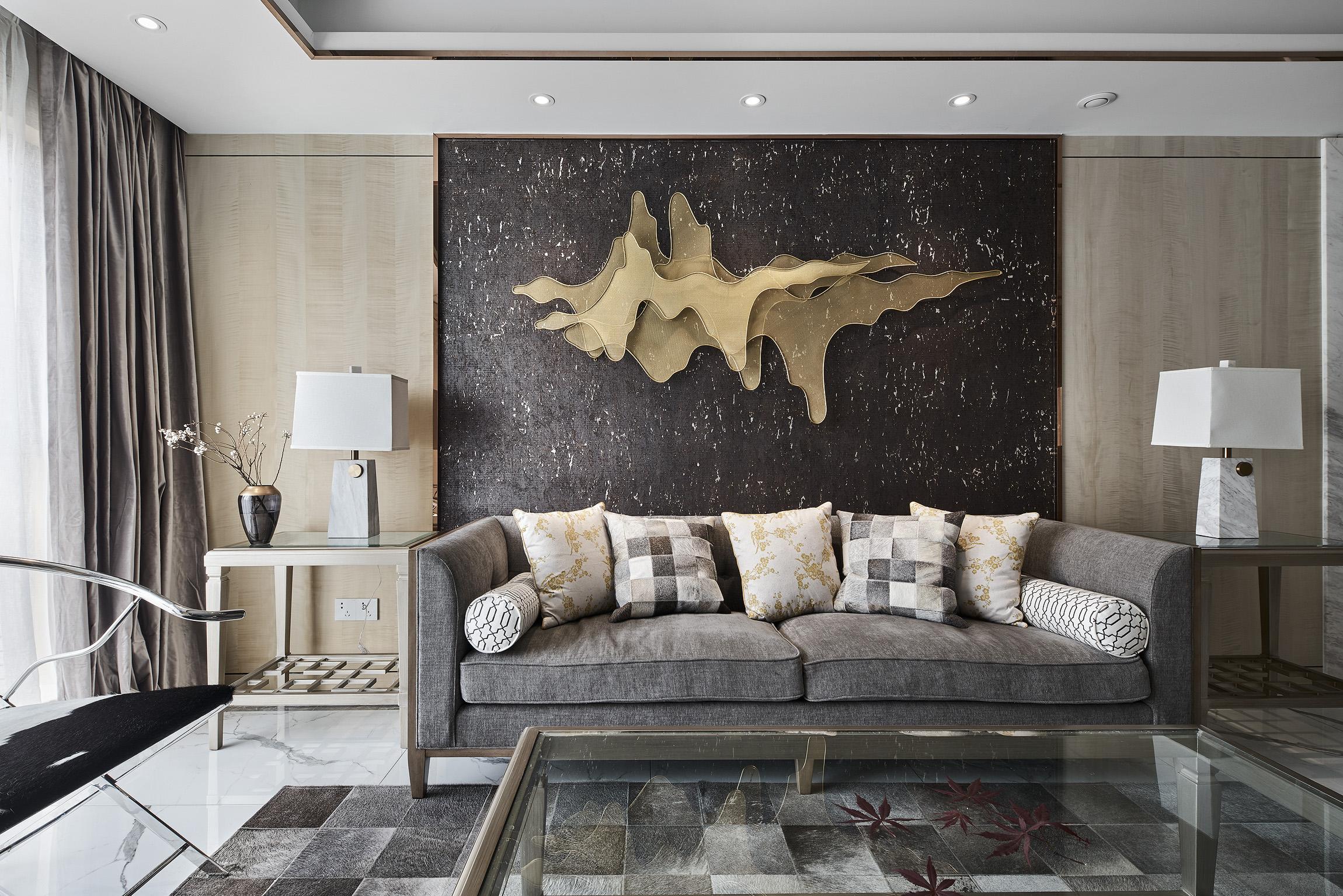 现代轻奢风三居沙发背景墙装修效果图