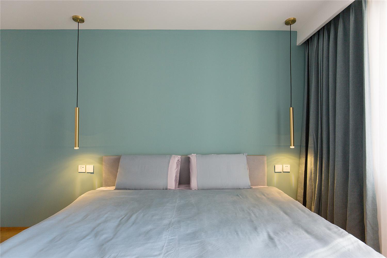 130平现代简约风卧室背景墙装修效果图