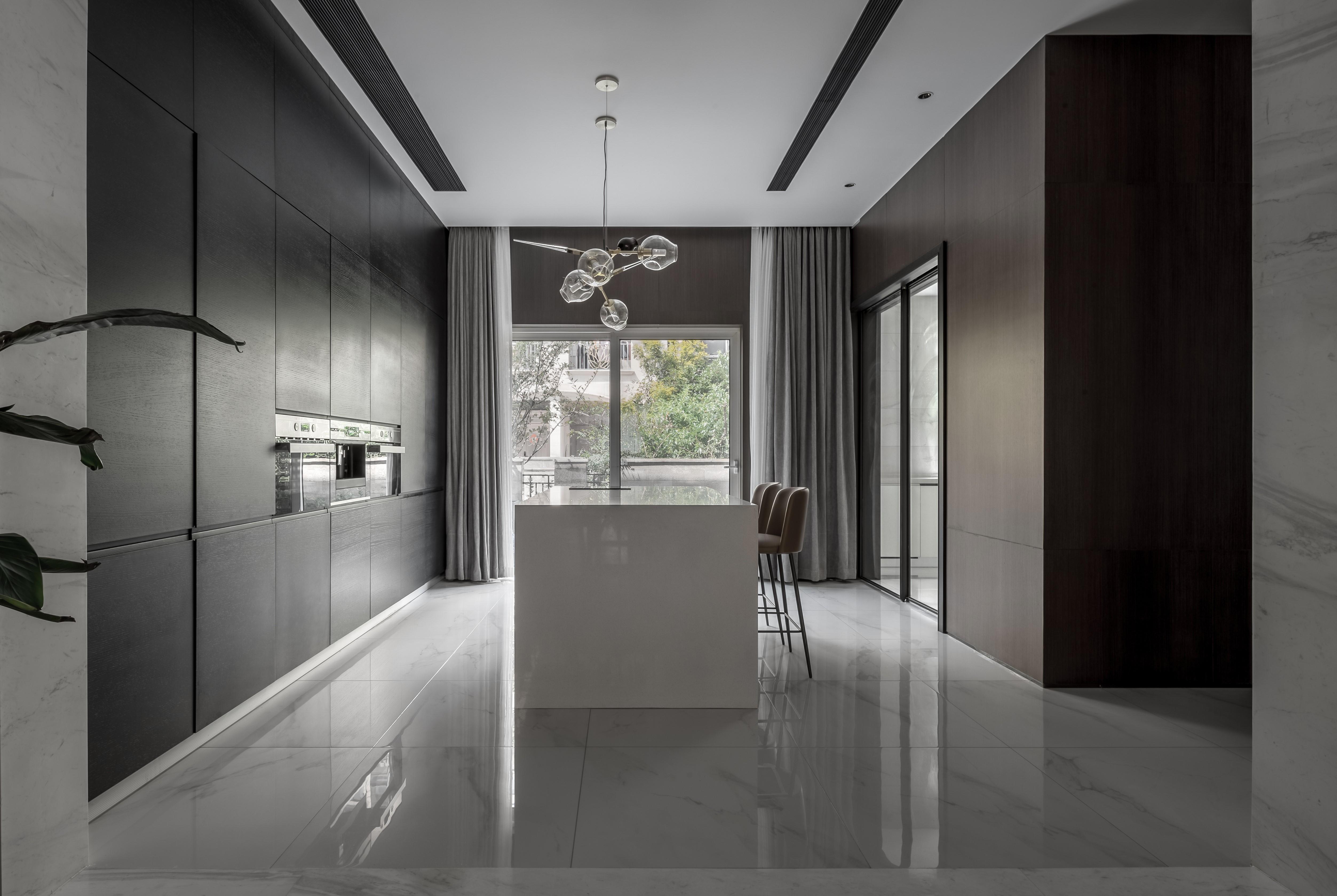 現代簡約大戶型廚房裝修效果圖
