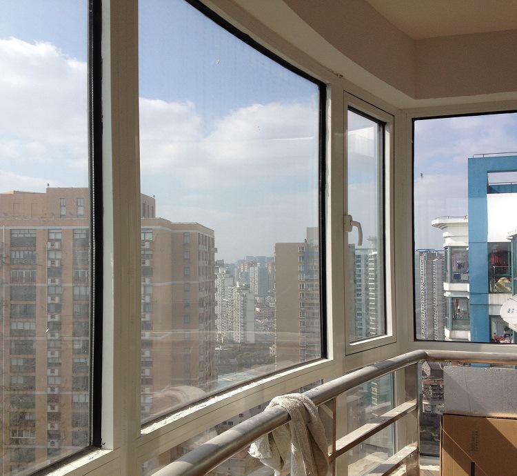 阳台 窗户