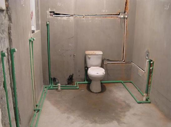 卫生间 水管
