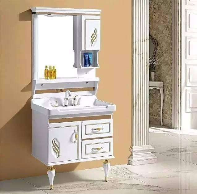 浴室柜 洗发水