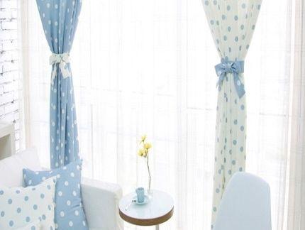 窗户 窗帘