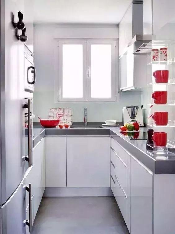 镜子 厨房门
