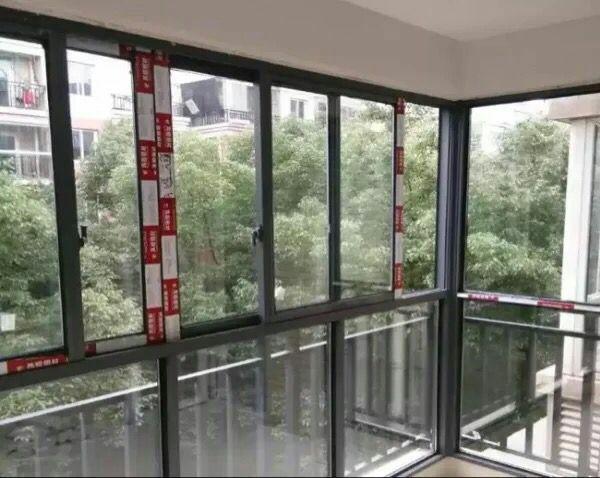 阳台窗 钢化玻璃