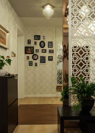 二居室现代简约家照片墙布置
