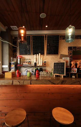 咖啡店装修操作吧台区