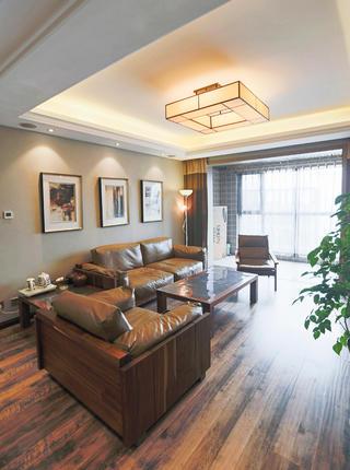 145平新中式三居装修客厅吊顶