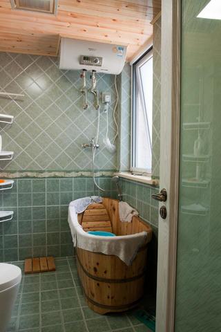 130平简美之家卫生间图片