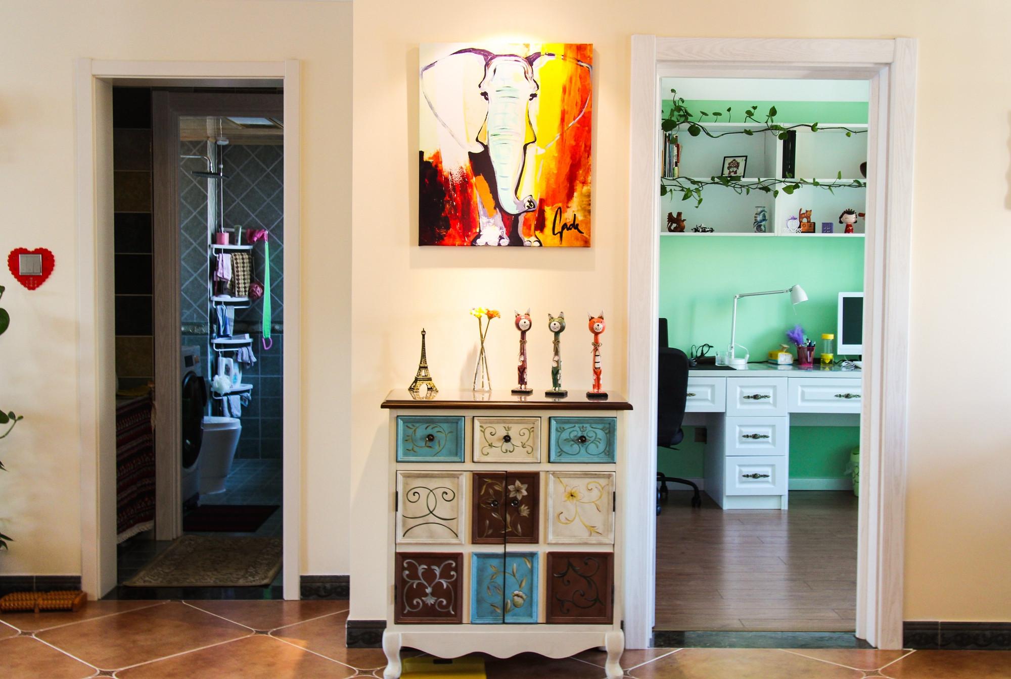 130平简美之家装饰柜图片