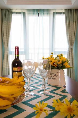 两居室美式风格家餐桌摆件