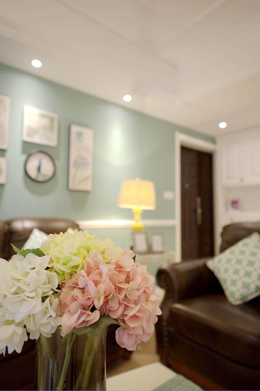 110平现代美式三居装修客厅小景