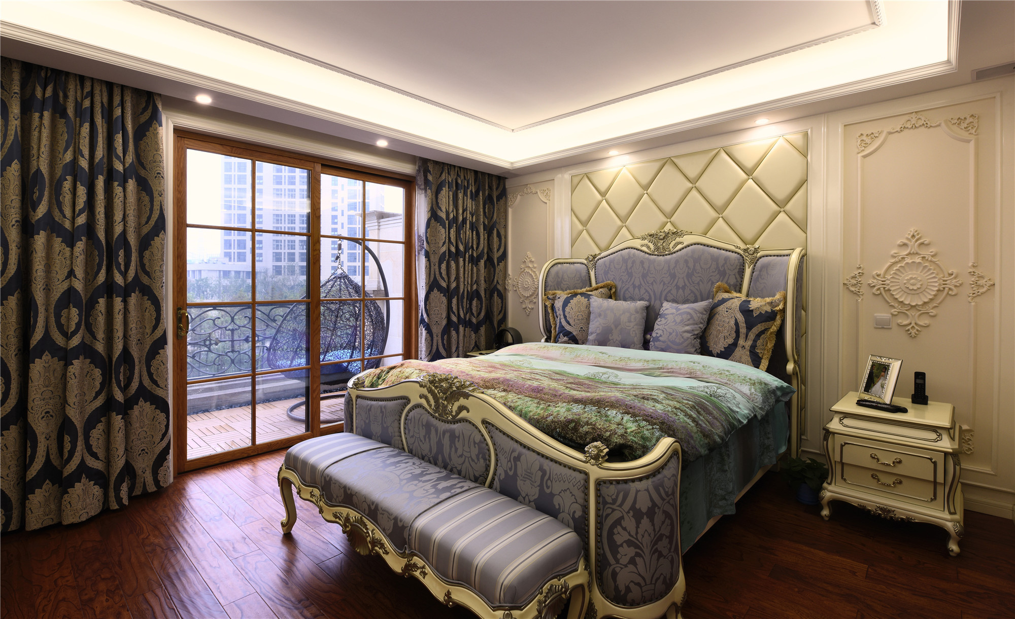 欧式风格别墅装修卧室效果图