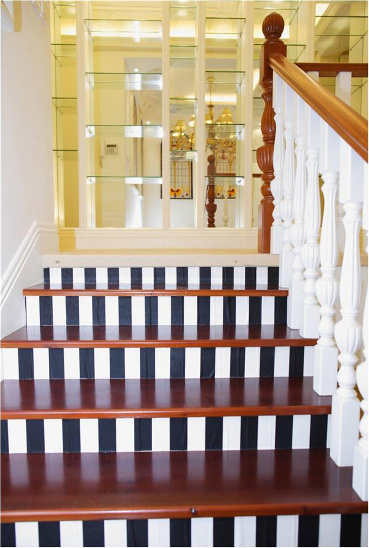 美式别墅装修楼梯造型图