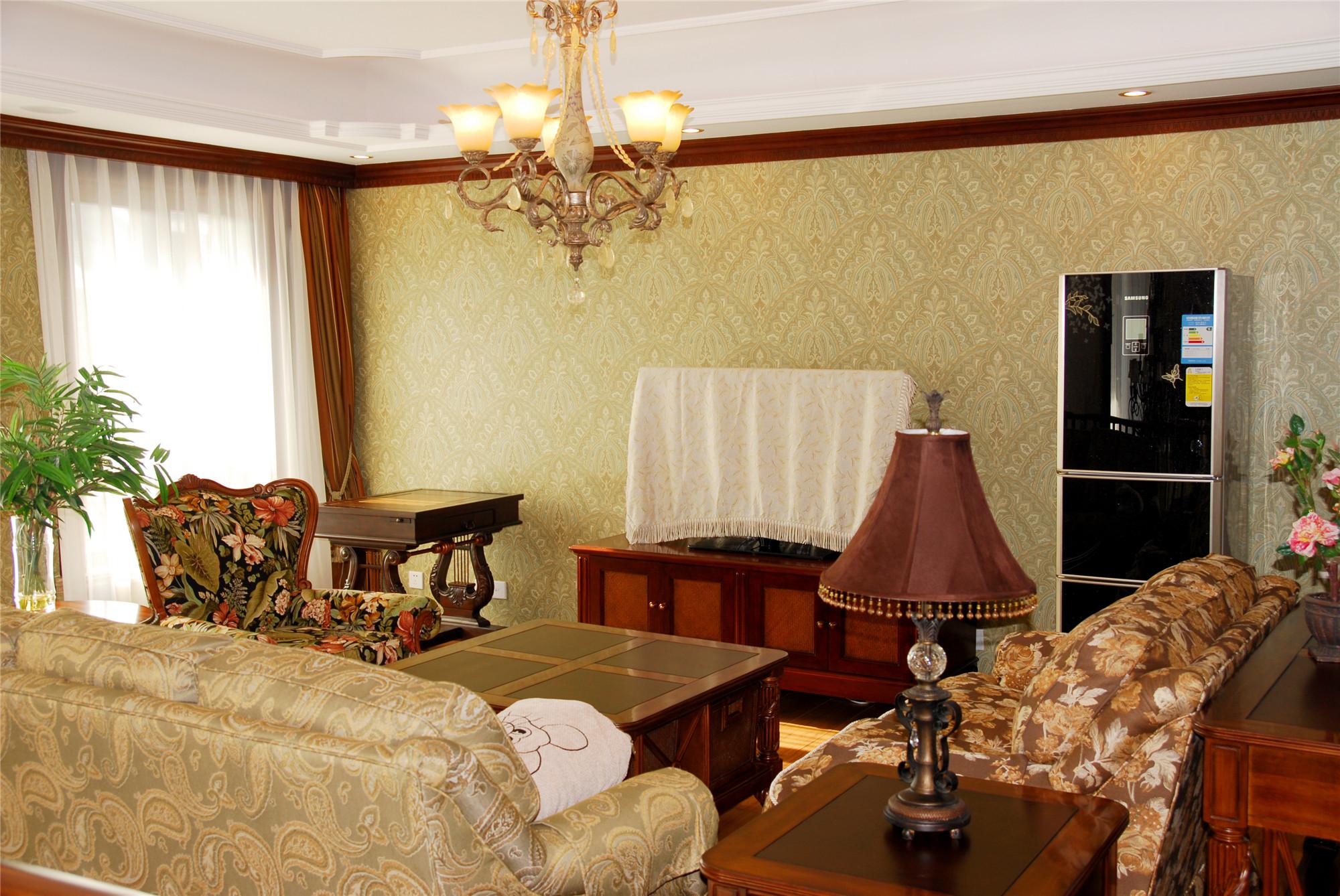 中欧式混搭别墅装修客厅设计图
