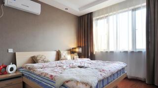 70平现代简约公寓装修卧室搭配图