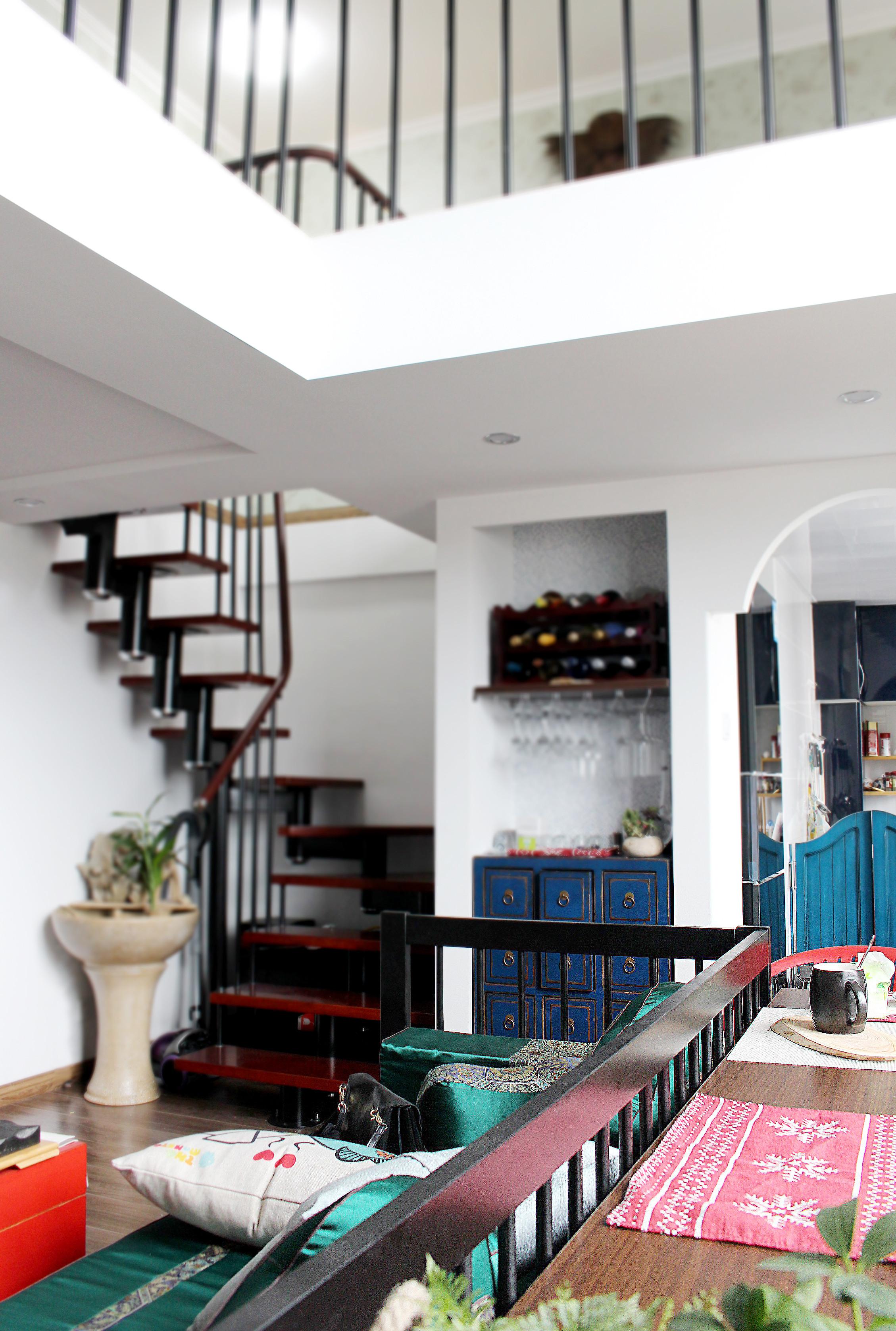 复式新中式装修楼梯设计