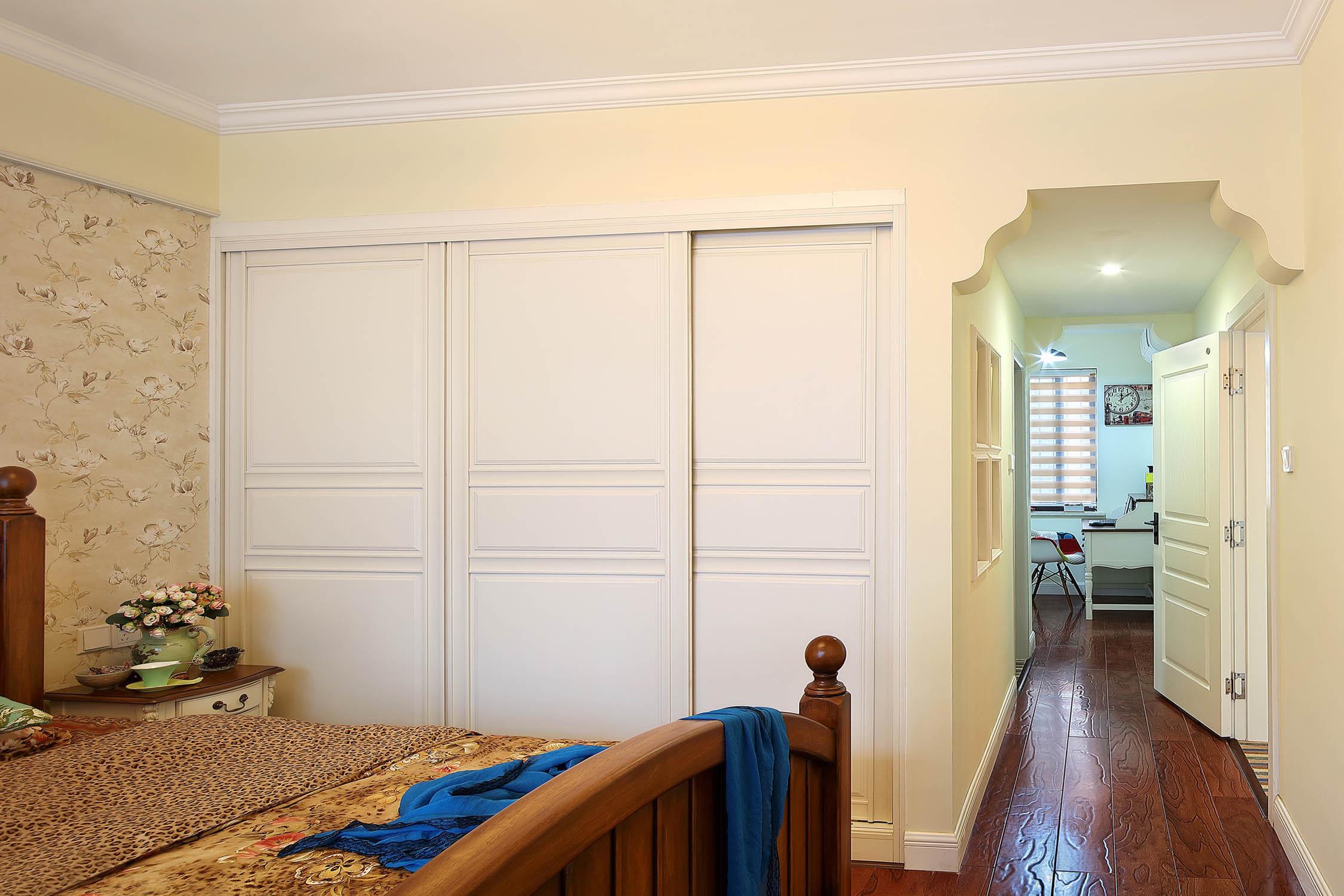125平美式乡村家衣柜设计
