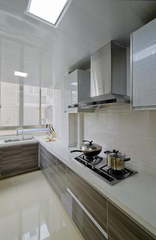 现代简约三居厨房构造图