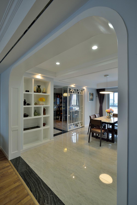 140平三居室装修弧形垭口设计
