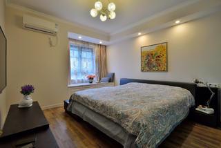 140平三居室装修卧室布置图