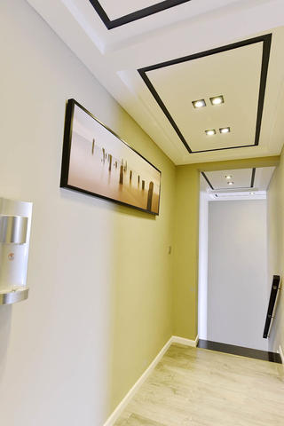 120平三居室装修走廊设计