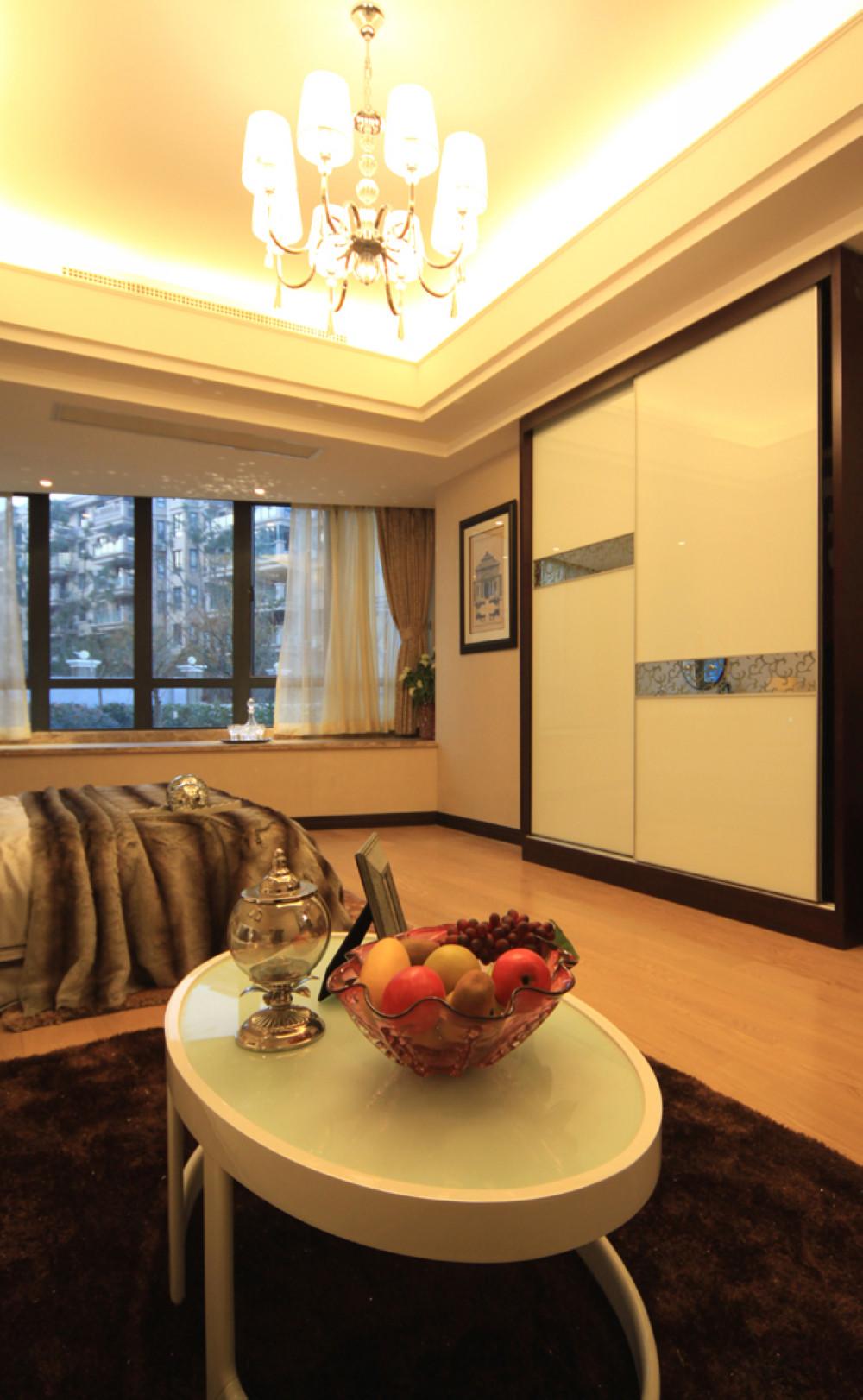酒店式公寓装修衣柜图片