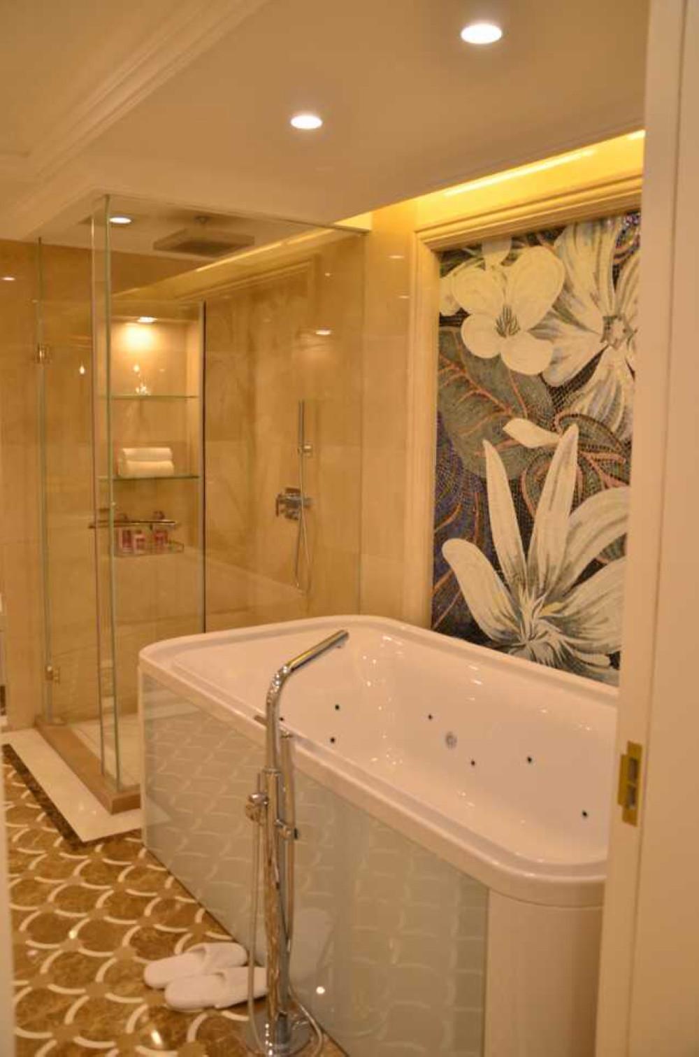欧式装修浴缸设计
