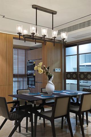 140平现代风格装修餐厅设计图