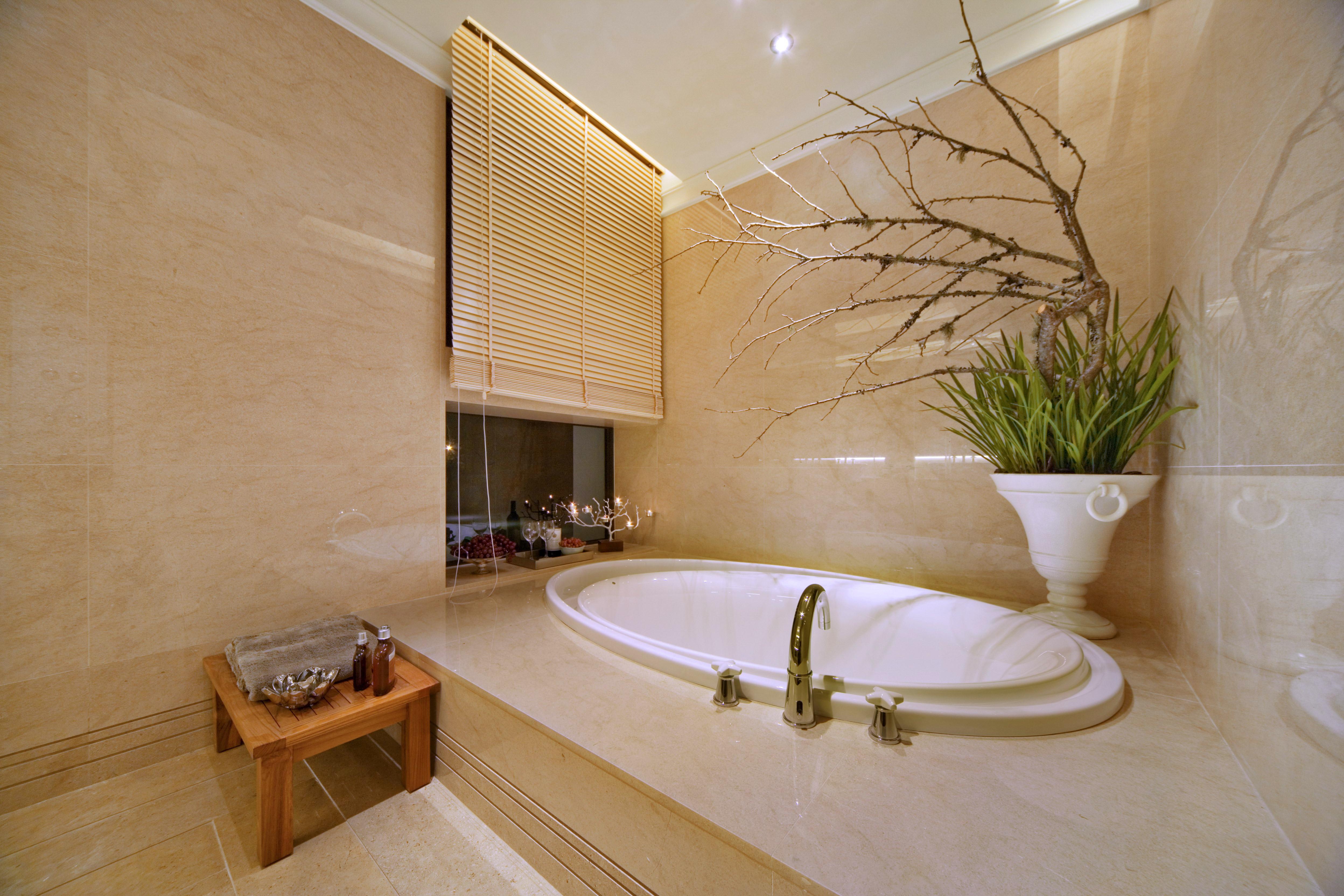 现代混搭三居浴缸图片