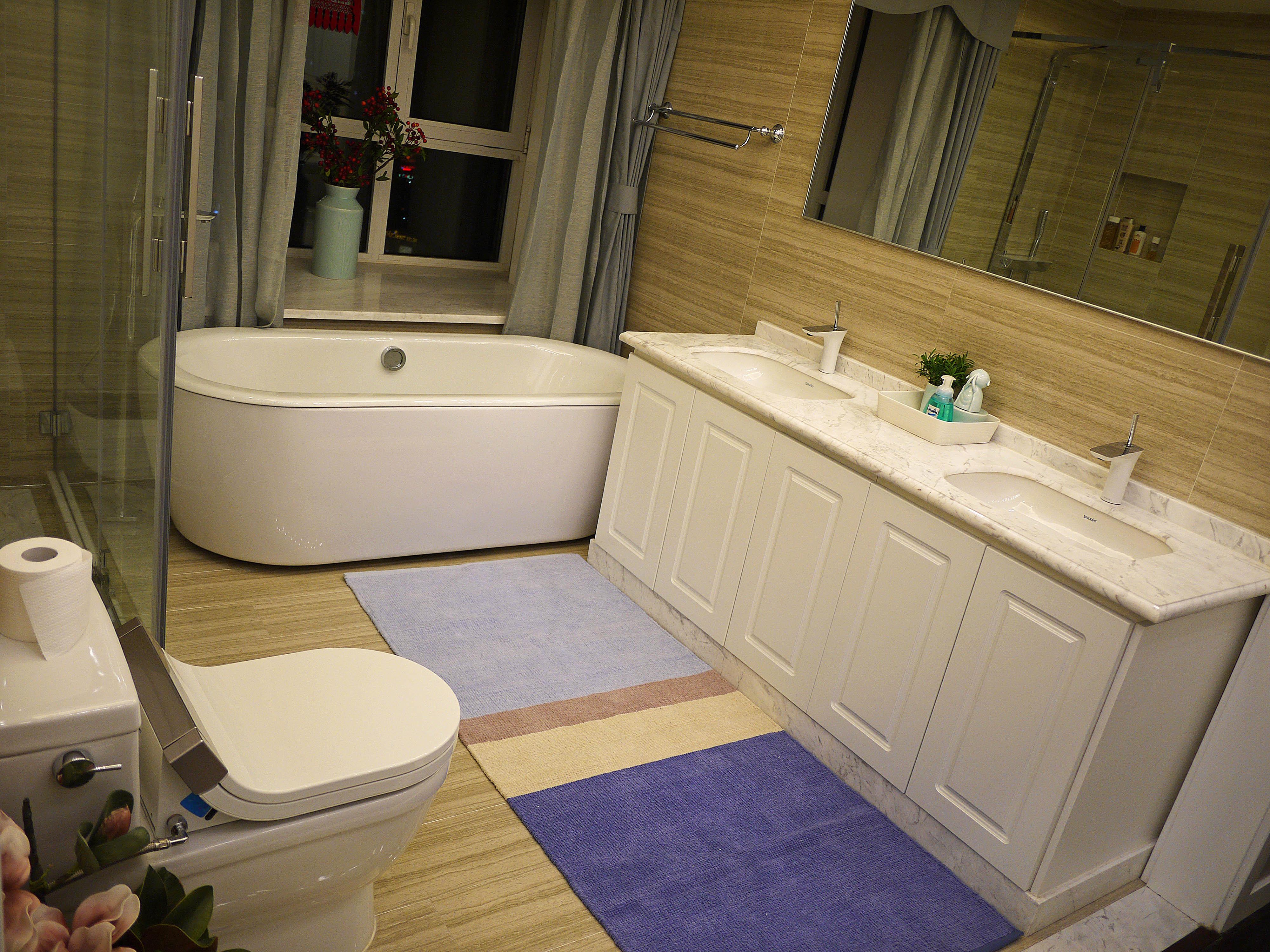 美式混搭三居浴室柜图片