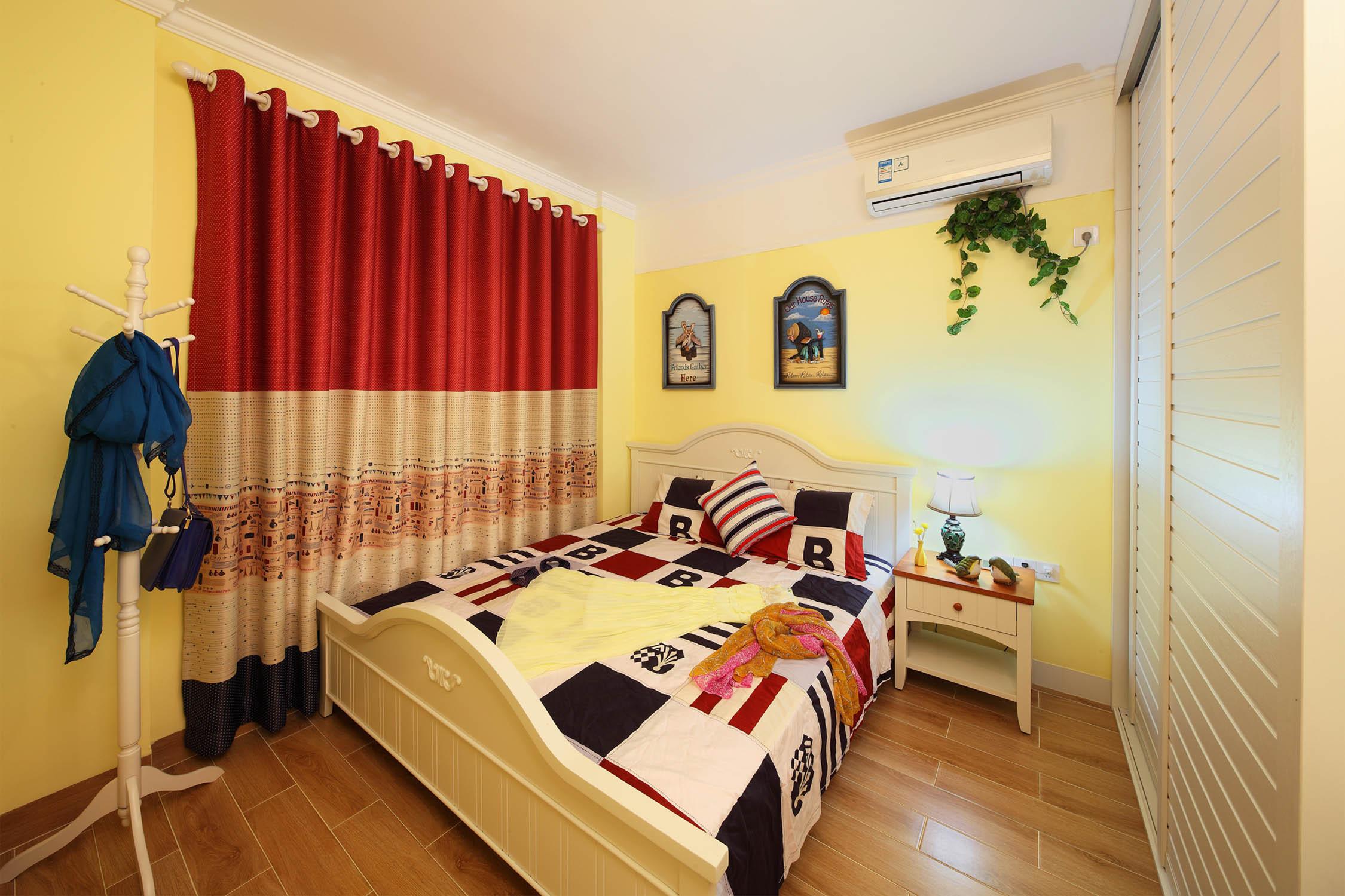 90㎡地中海风格家窗帘图片