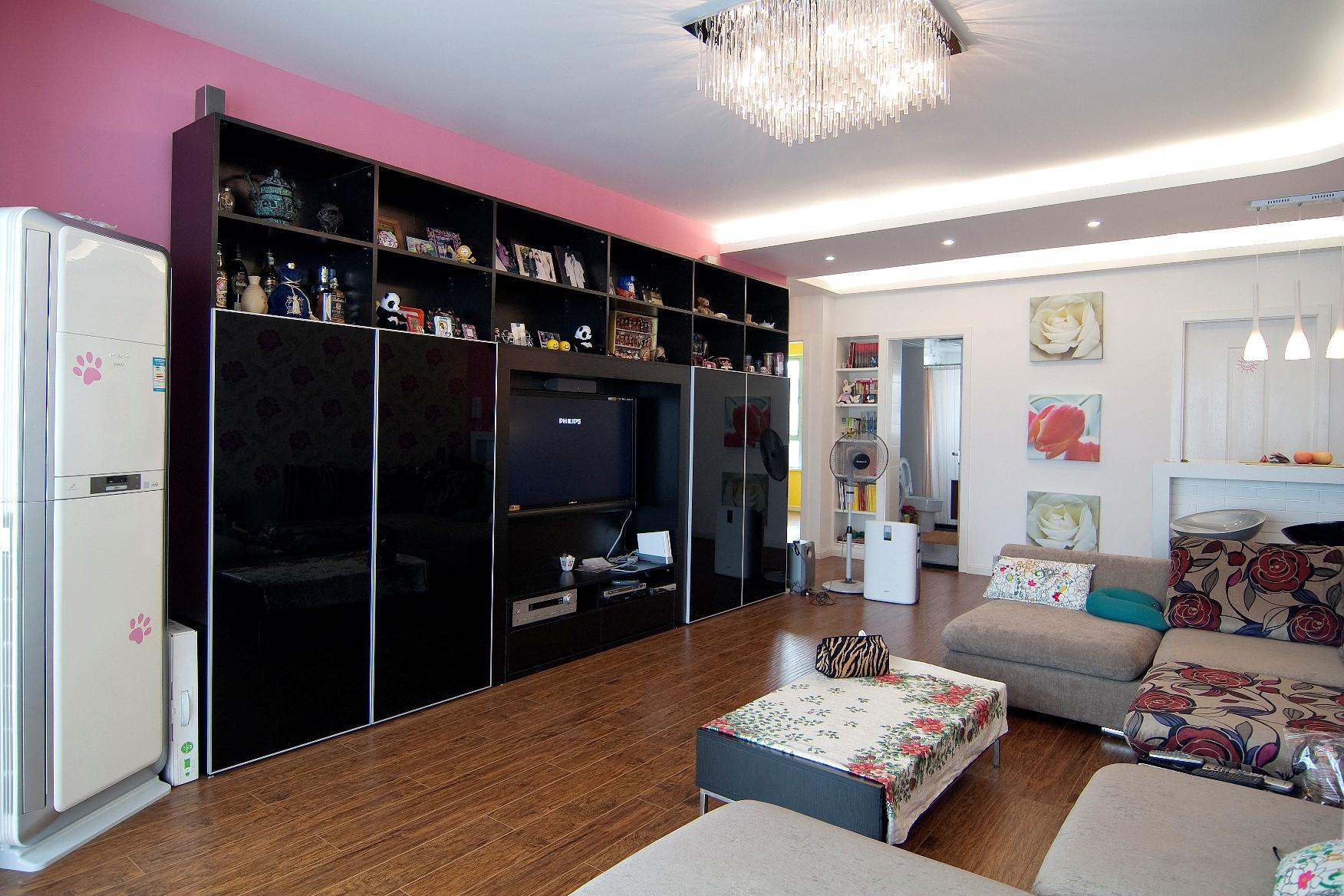 100平三居室装修电视背景墙图片