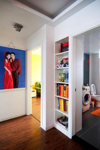 100平三居室装修书柜图片