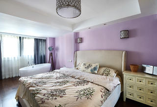 130平美式三居装修卧室搭配图
