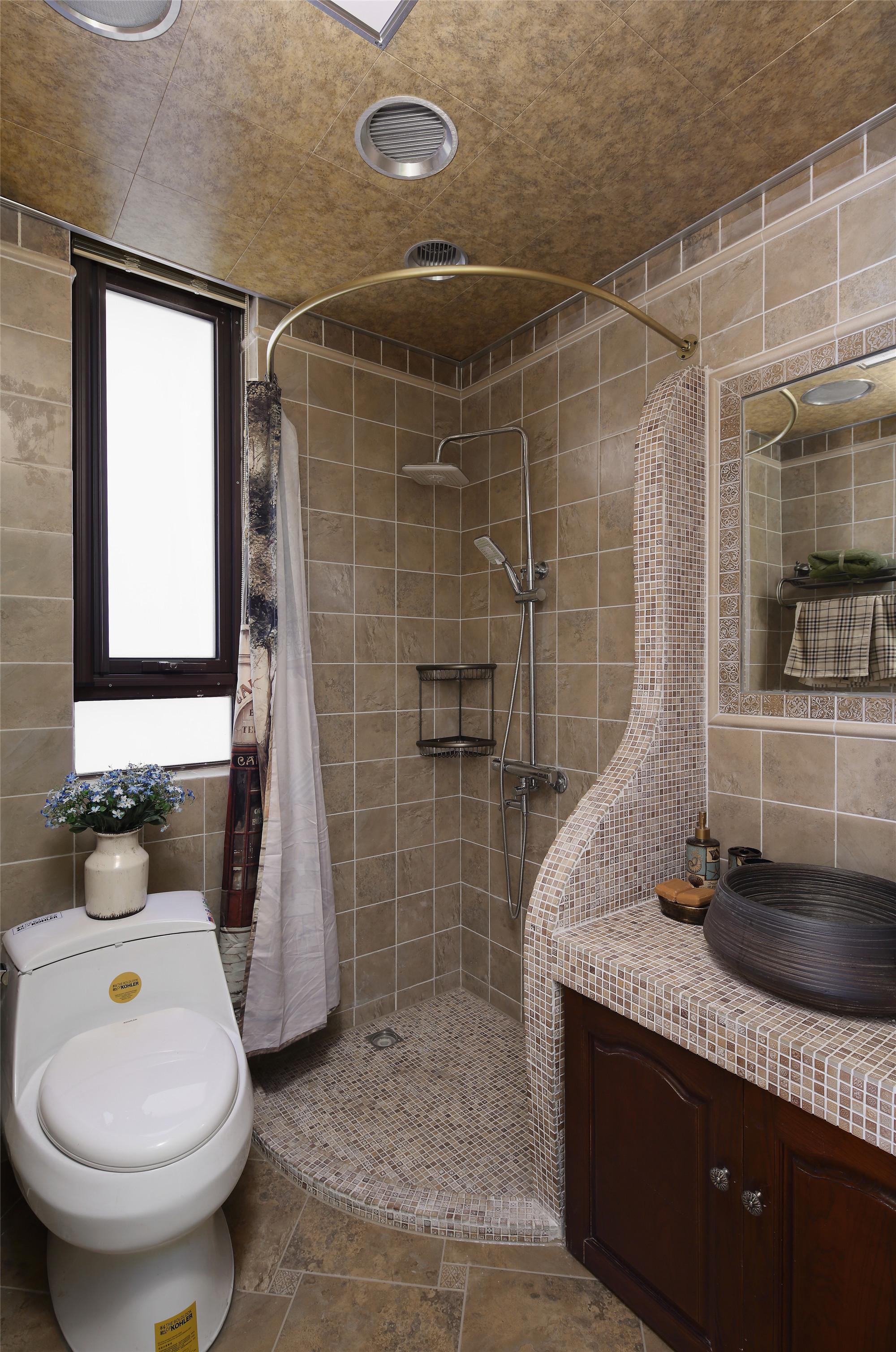 三居美式装修卫生间装潢图