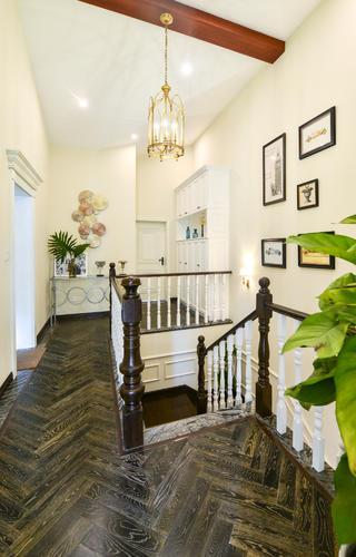 美式复式别墅装修楼梯走廊