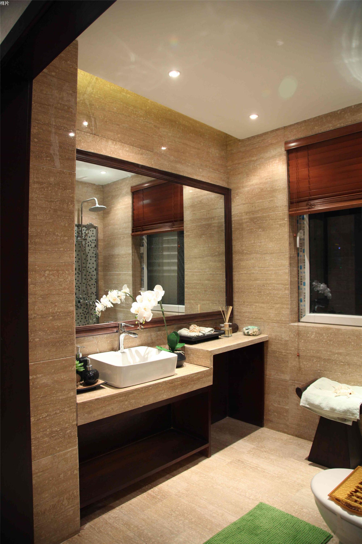 东南亚风格三居室装修卫生间装潢图