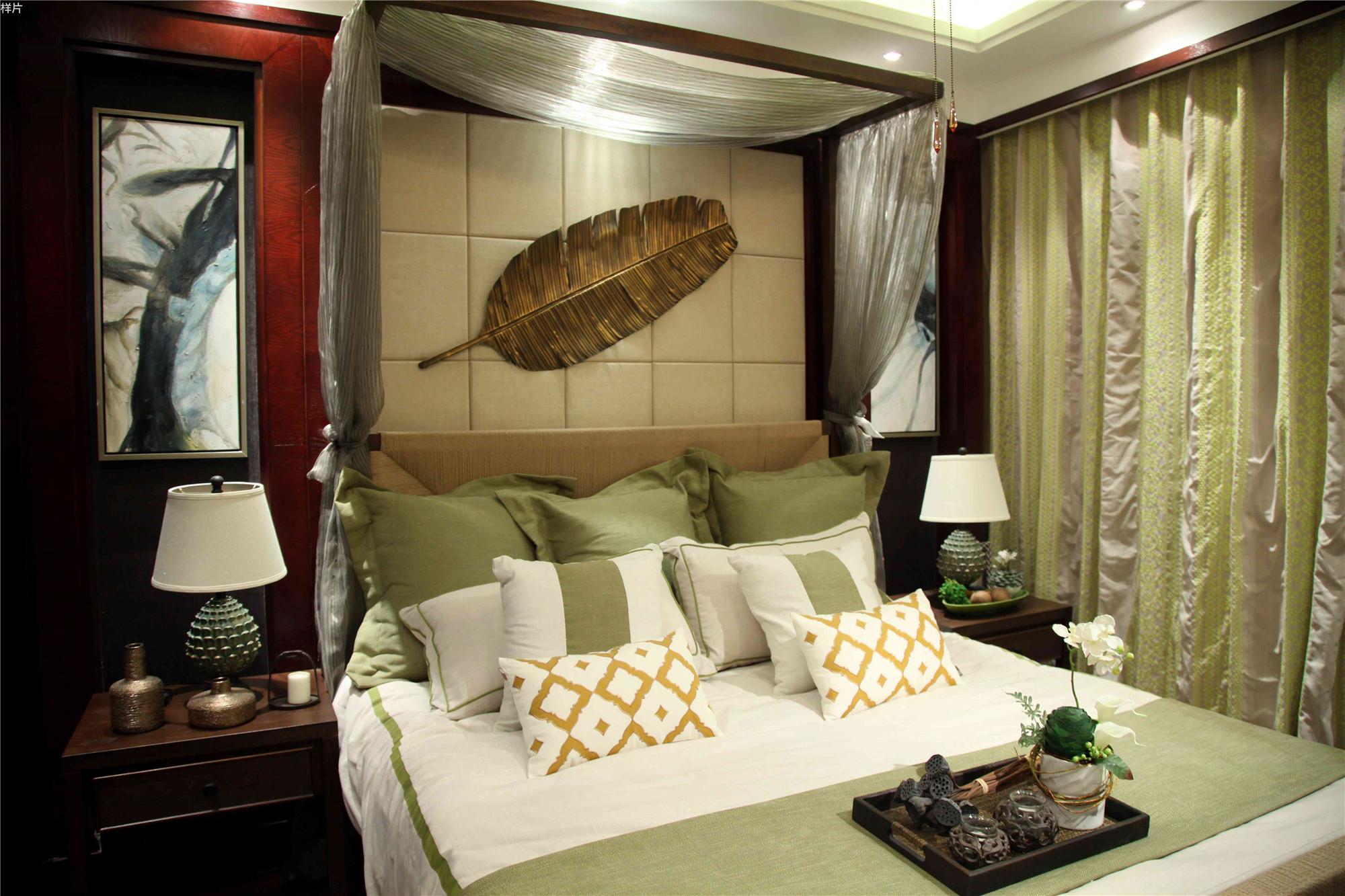 东南亚风格三居室装修卧室搭配图